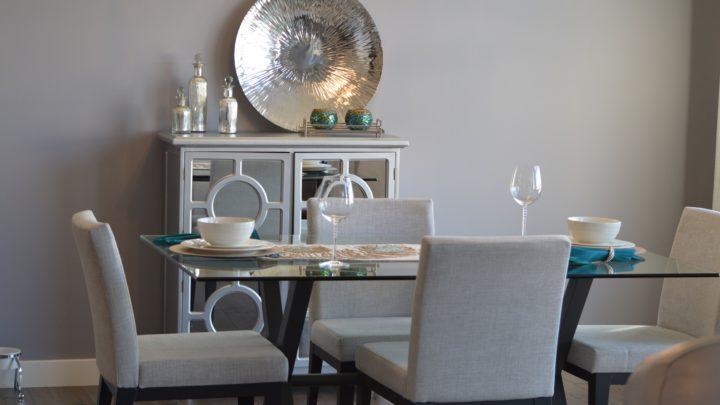 Conseils pour le déménagement et le rangement d'une table et de chaises de salle à manger