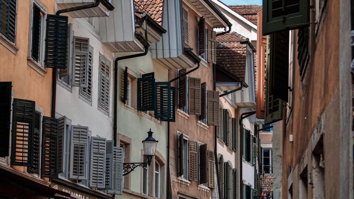 Acheter des biens immobiliers en Suisse : Tout ce que les acheteurs étrangers doivent savoir sur le Marché